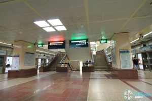 Raffles Place MRT Station - Upper Platform level stairs (B3)