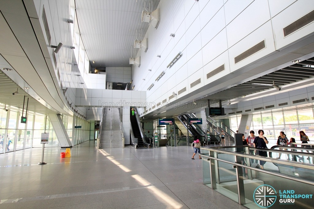 Punggol MRT/LRT Station - South Concourse level (Paid area)