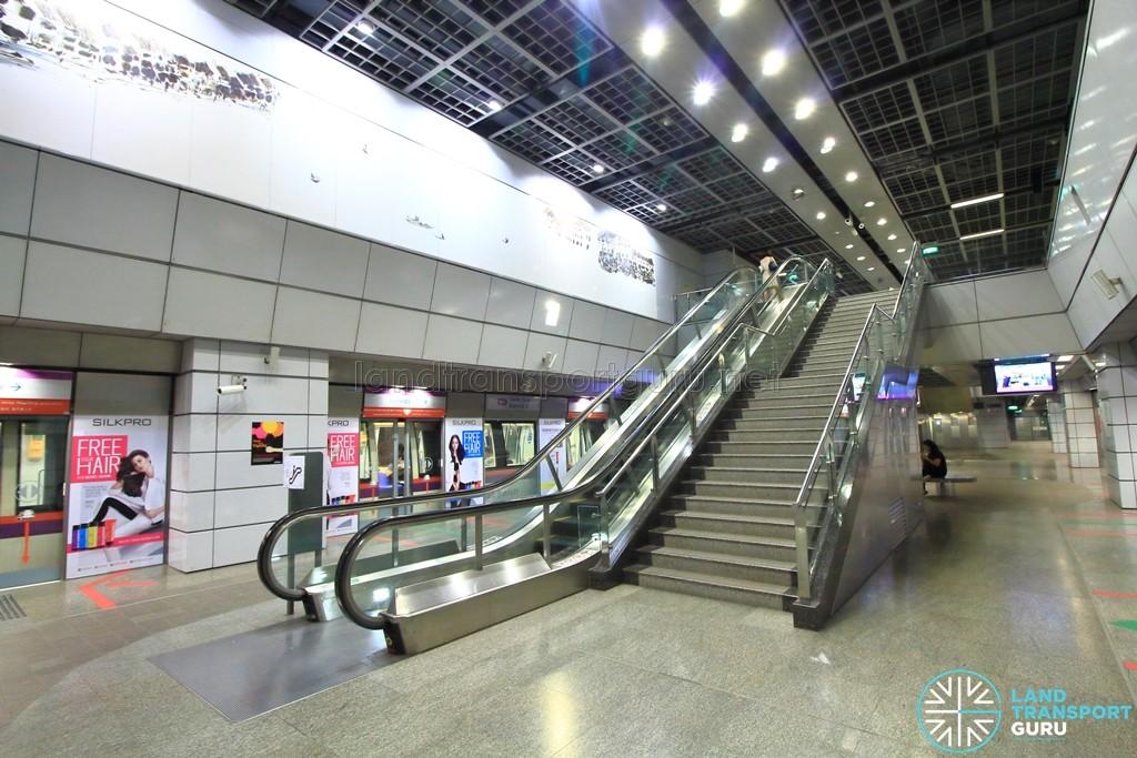 Clarke Quay MRT Station - Platform level