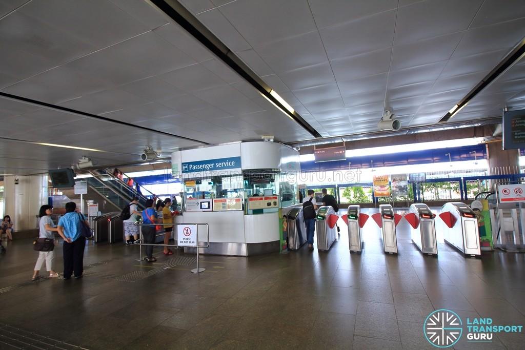 Khatib MRT Station - Passenger Service Centre & Faregates