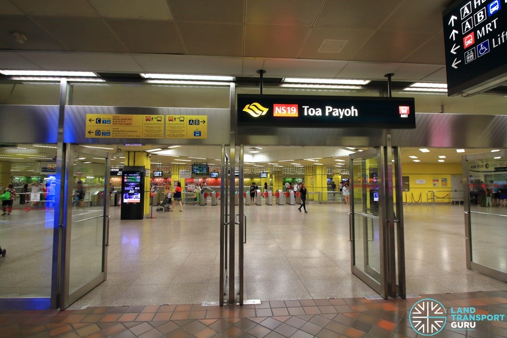 Toa Payoh MRT Station - Entrance to station from underground walkway