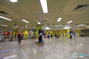 Toa Payoh MRT Station - Ticket concourse (Unpaid area)