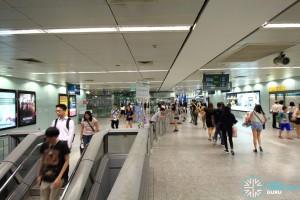 Somerset MRT Station - Ticket concourse