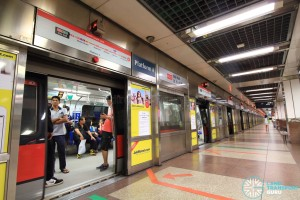City Hall MRT Station - Platform A (NSL Northbound)