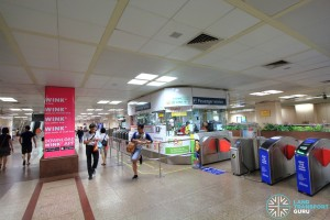 Raffles Place MRT Station - Passenger Service Centre & Faregates