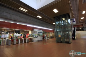 Bukit Gombak MRT Station - Concourse paid area