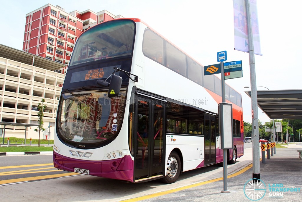 Go-Ahead Volvo B9TL Wright (SG5095G) training in Pasir Ris