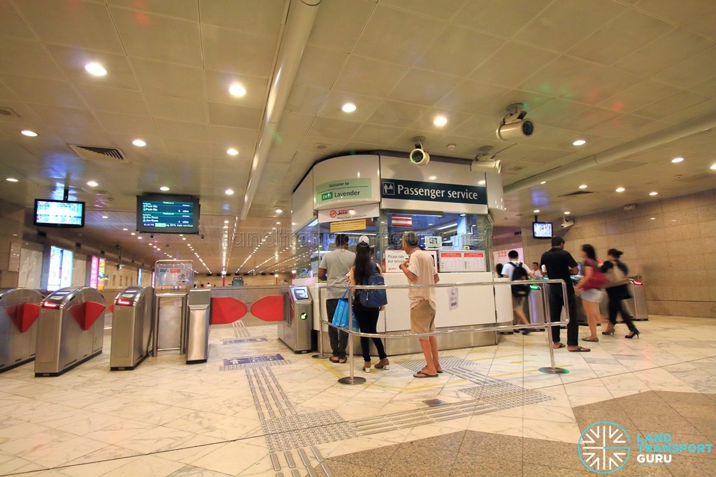 Lavender MRT Station - Passenger Service Centre & Faregates
