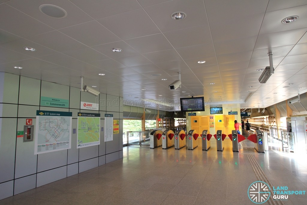 Commonwealth MRT Station - South Ticket Concourse