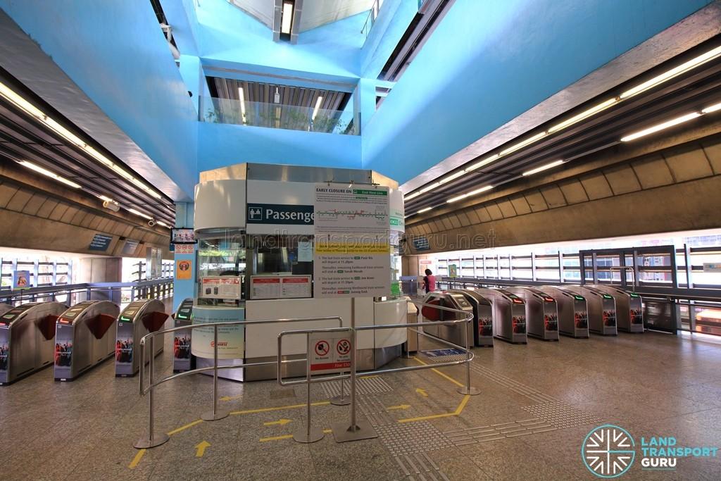 Clementi MRT Station - North Ticket Concourse - Passenger Service Centre & Faregates