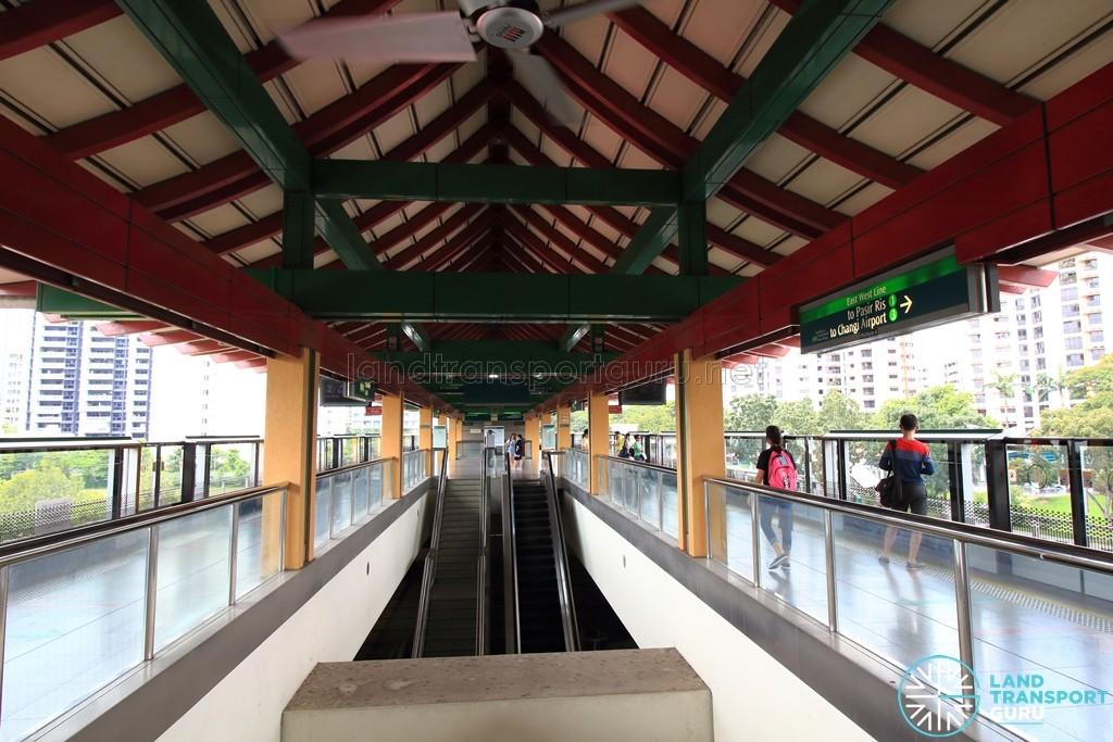 Lakeside MRT Station - Platform level