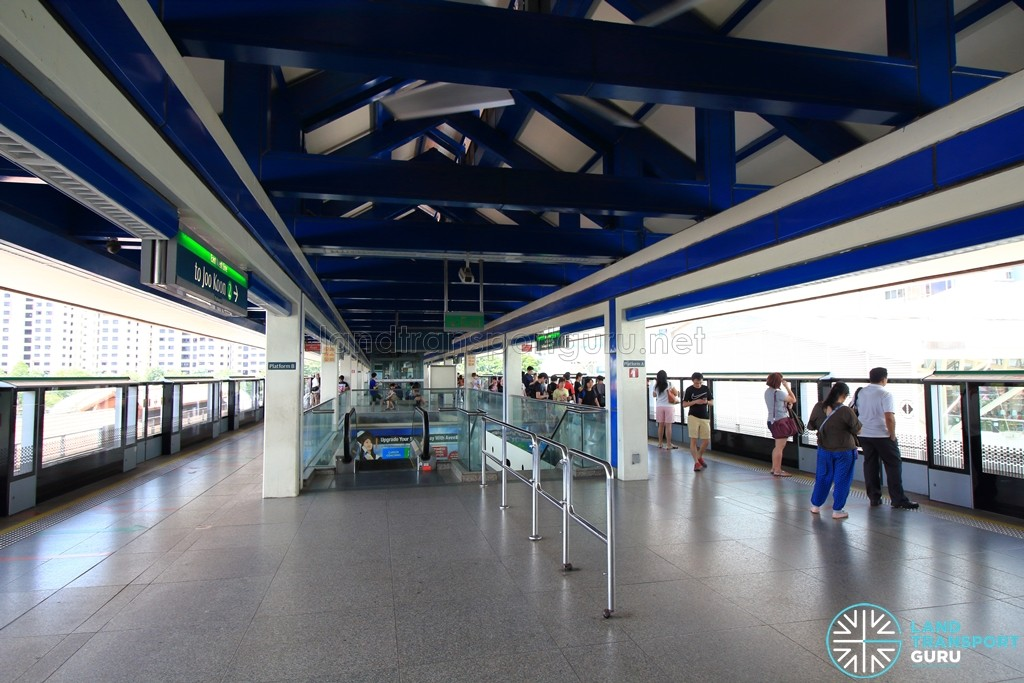 Boon Lay MRT Station - Platform level