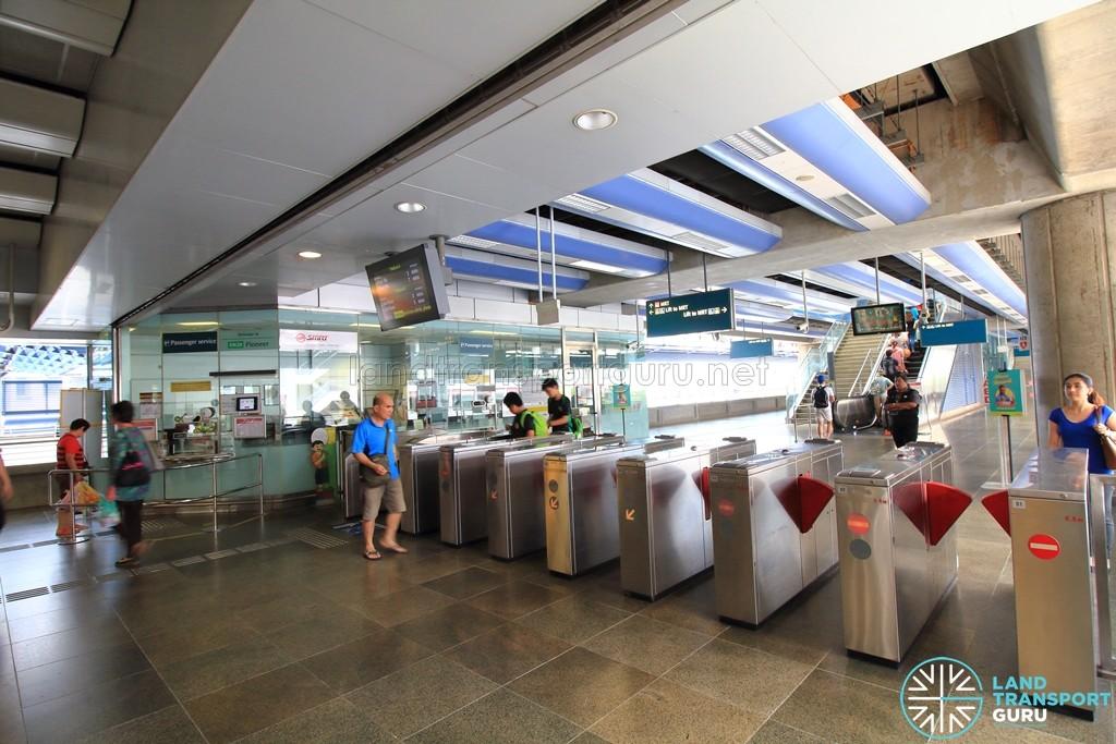 Pioneer MRT Station - Passenger Service Centre & Faregates