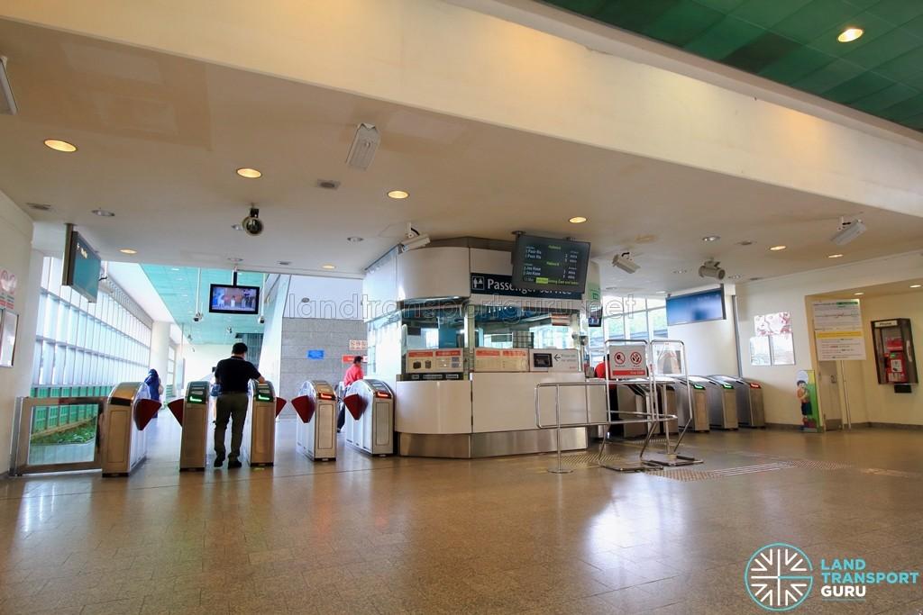 Kembangan MRT Station - Passenger Service Centre & Faregates