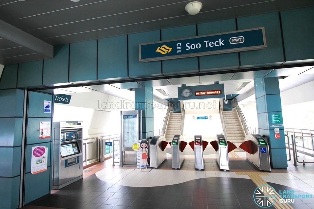 Soo Teck LRT Station - Concourse level faregates