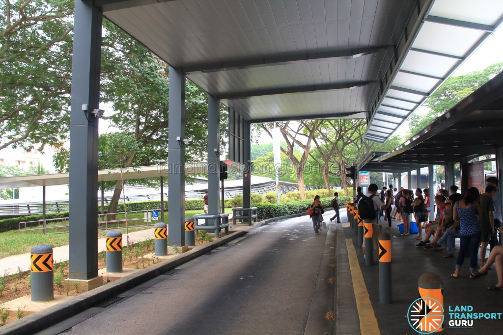 Bus Stop 08031 - Dhoby Ghaut Stn, Penang Road