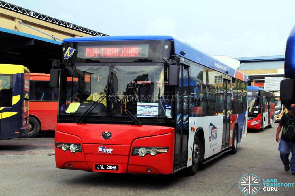 Causeway Link Yutong ZK6118HGA (JRL2498) - Route P104