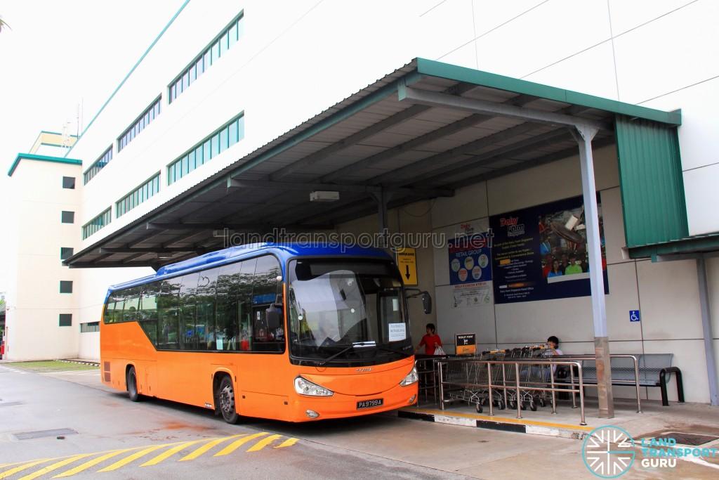 Giant Hypermart Stop for Tampines Retail Park Shuttle