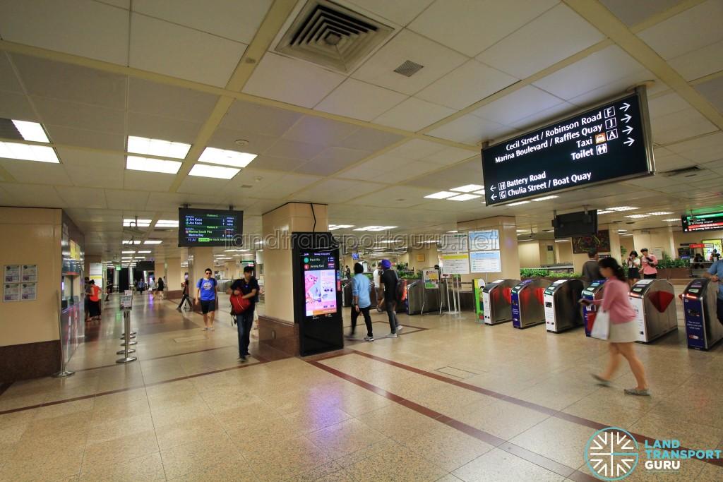 Raffles Place MRT Station - Ticket Concourse