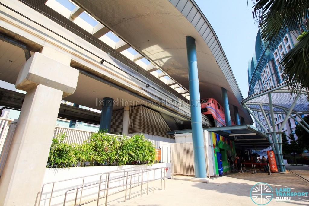 Resorts World Station - Exterior (Jul 2016)