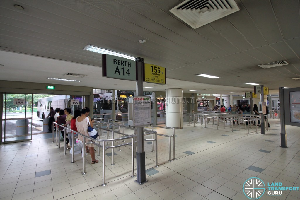 Toa Payoh Interchange - End-on berths A12 - A14