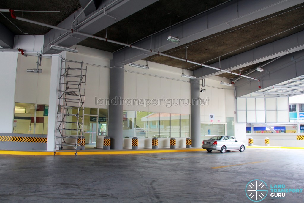 Clementi Bus Interchange - Vehicle concourse