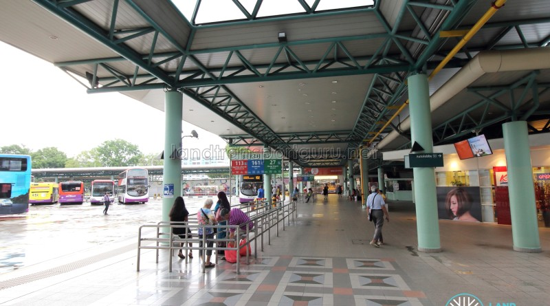Hougang Central Bus Interchange - Concourse near Berth B3