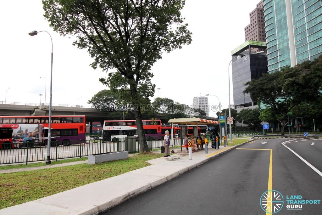 Shenton Way Bus Terminal - Boarding bus stop