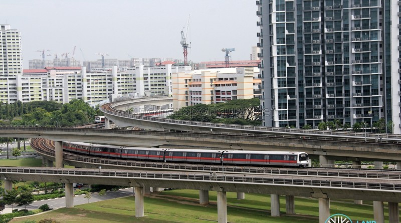 [North-South Line] Kawasaki Heavy Industries C151 approaching Jurong East