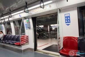 Alstom Metropolis C830C - Doorway