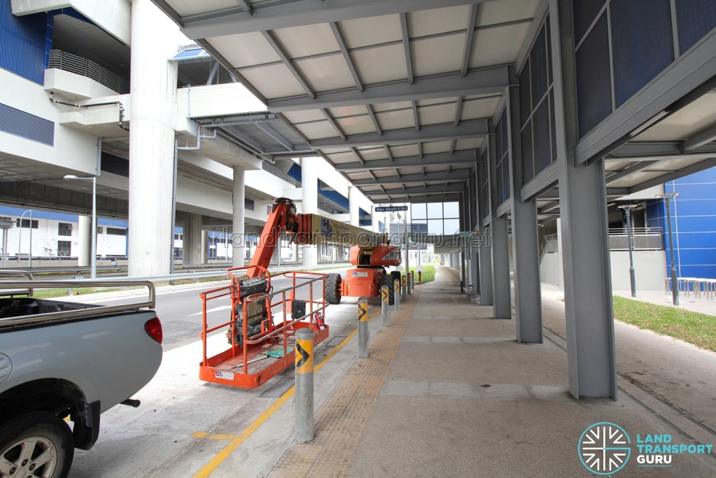 Gul Circle MRT Station - Taxi Stand and Pick-up/Drop-off Point (Tuas Road Westbound)