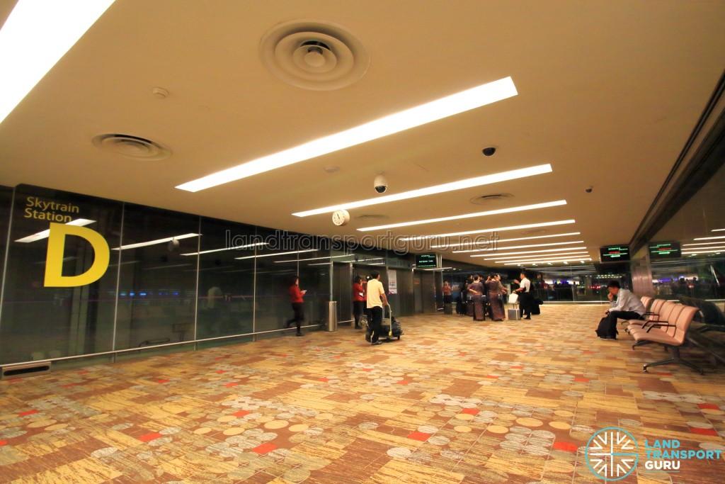 Changi Airport Skytrain - Transit Area - Station D (Terminal 1)