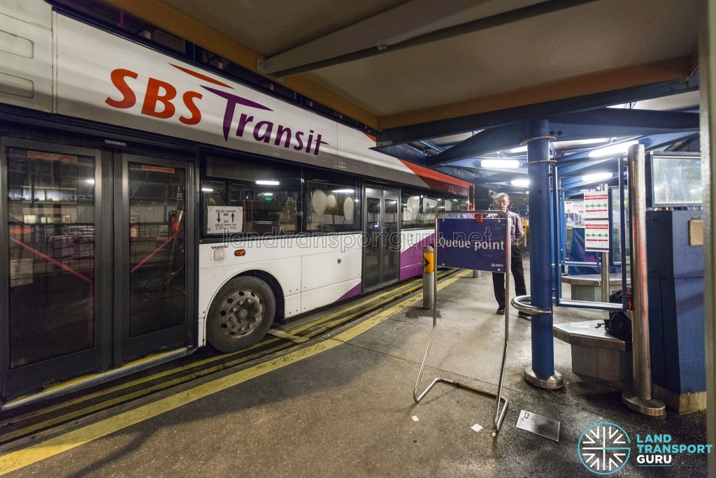 EWL Lakeside – Joo Koon Early Closure: Queue point for rail replacement buses outside Boon Lay station