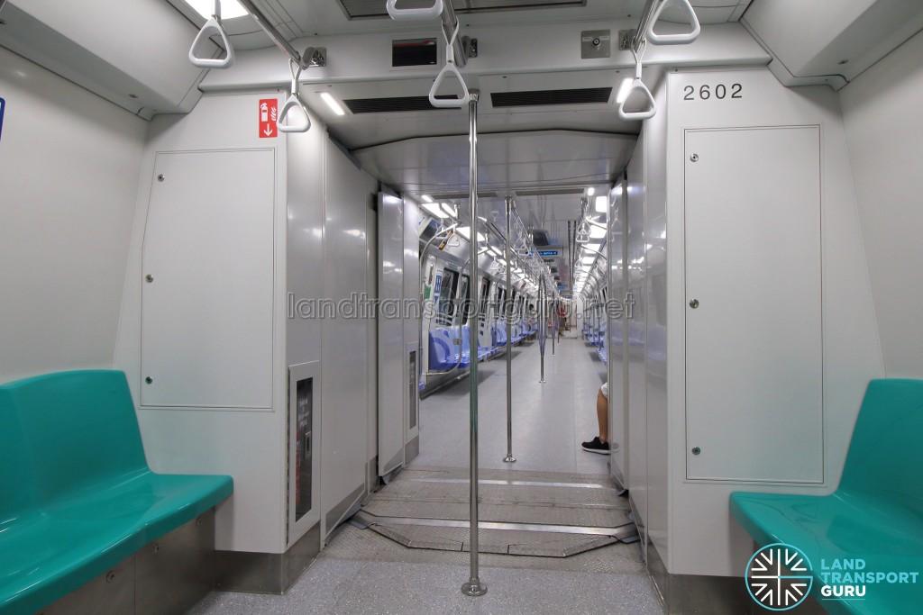 Kawasaki Heavy Industries & CRRC Qingdao Sifang C151B - Gangway connection
