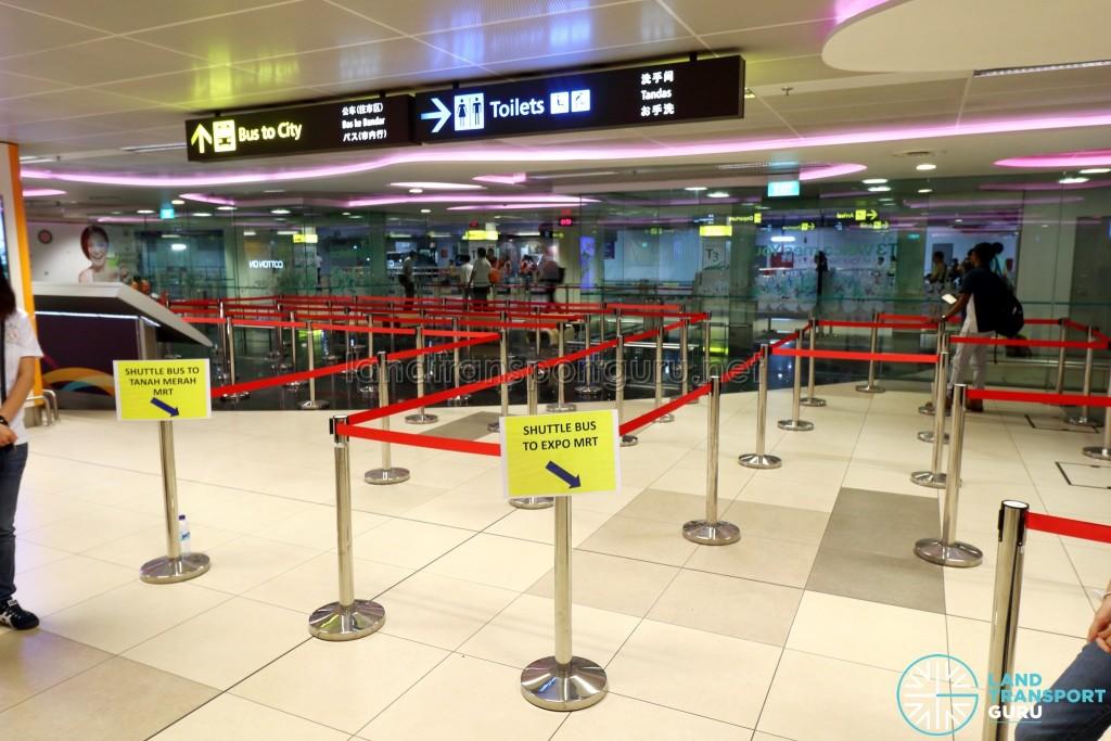 Tanah Merah – Changi Airport Parallel Bus Service: Changi Airport T3 Boarding Queue