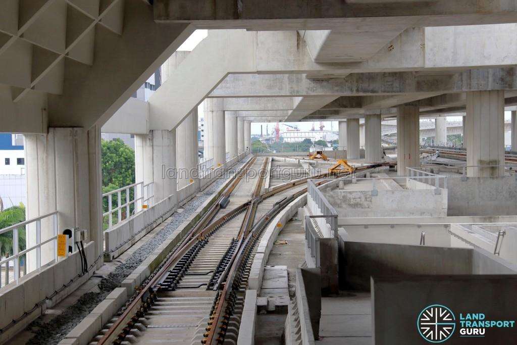 Gul Circle MRT Station - Lower level scissors crossover