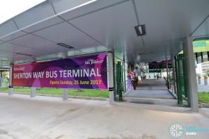 Shenton Way Bus Terminal - Entrance along Shenton Way