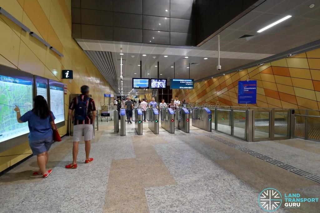 Bencoolen MRT Station - Faregates (B2)