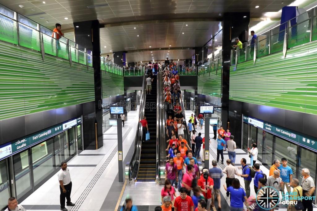 Fort Canning MRT Station - Overhead view of Platform