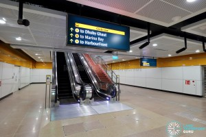 MacPherson MRT Station - Paid Link to Circle Line Platforms