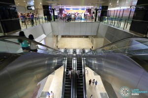 Mattar MRT Station - Escalators to Platform