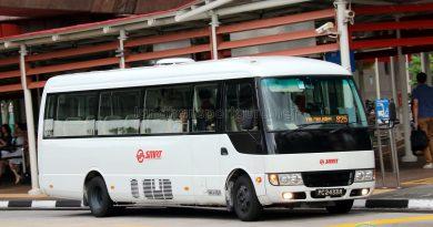 SMRT Mitsubishi Rosa (PC2433R) - Service 825
