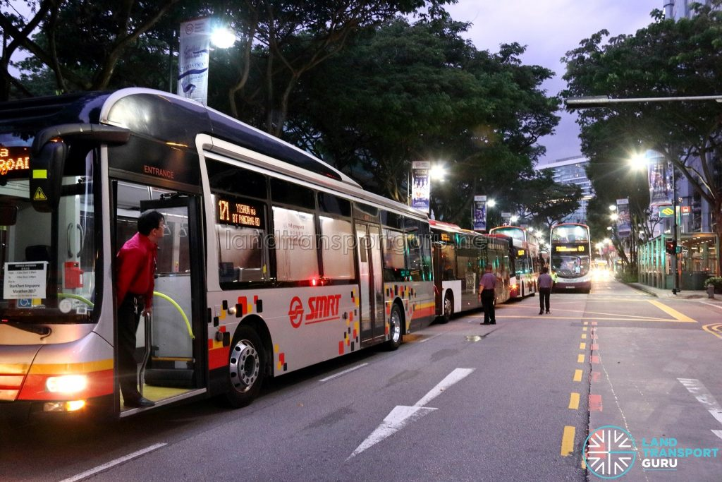 SCSM 2017: Buses stuck along Bras Basah Road