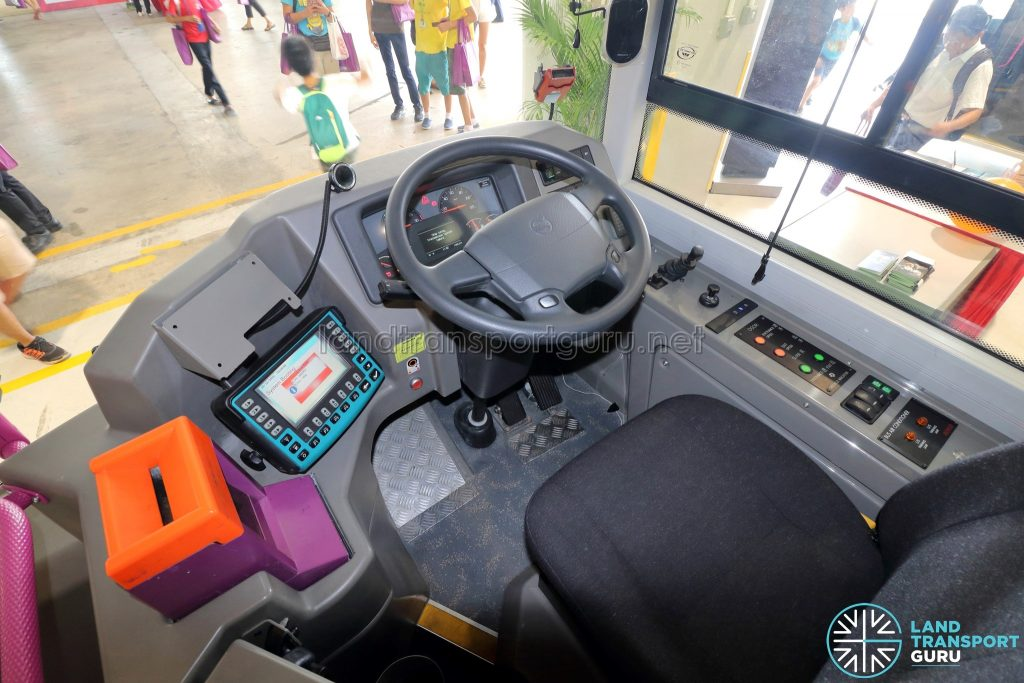 Volvo B8L (SG4003D) - Driver's cab (without CFMS installed)