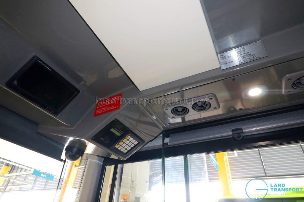 Volvo B8L (SG4003D) - Driver's cab (overhead components)
