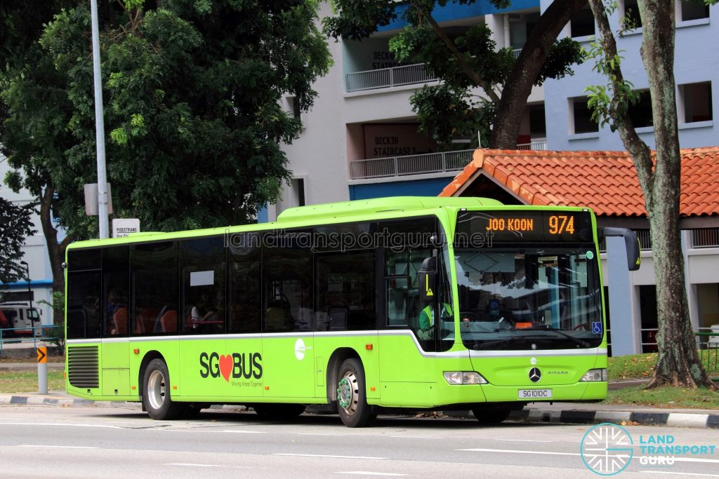 Service 974: Tower Transit Mercedes-Benz Citaro (SG1010C)