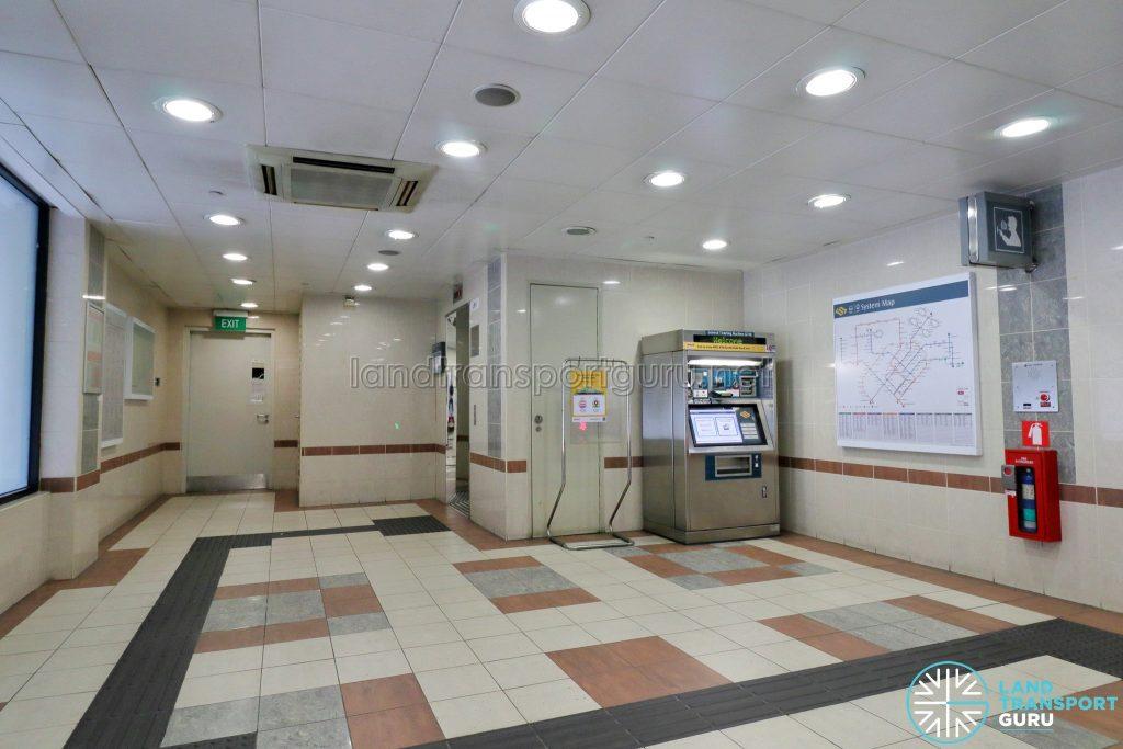 Ten Mile Junction LRT Station - Ticket Concourse