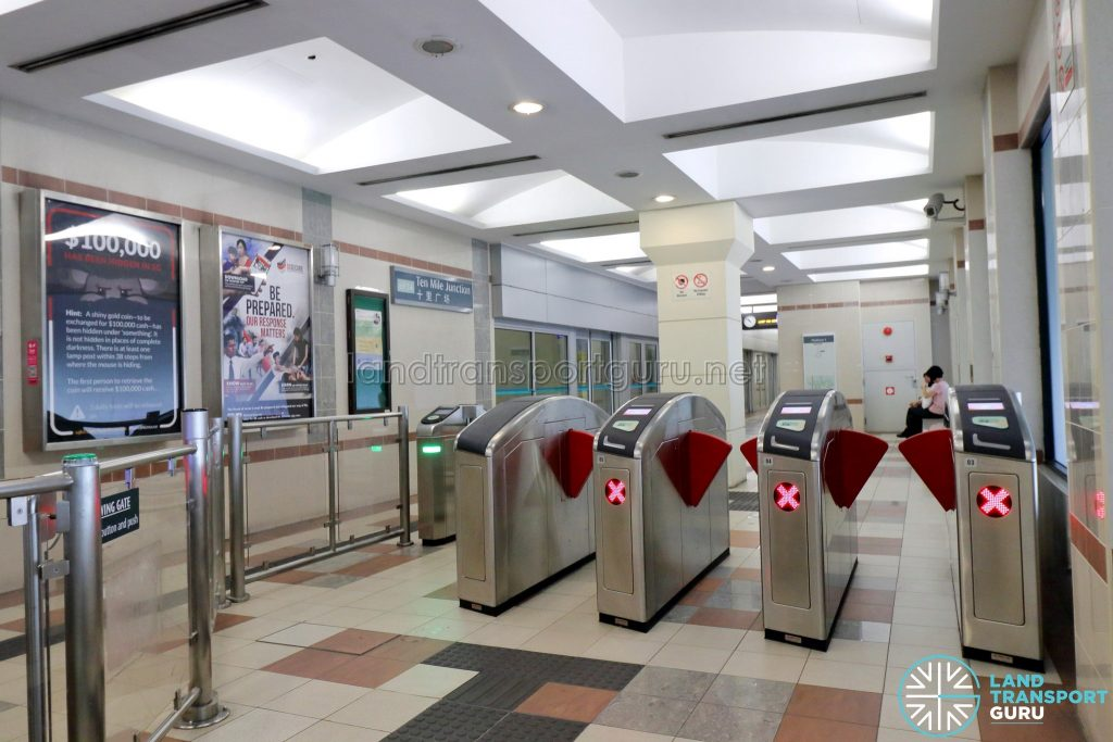 Ten Mile Junction LRT Station - Faregates