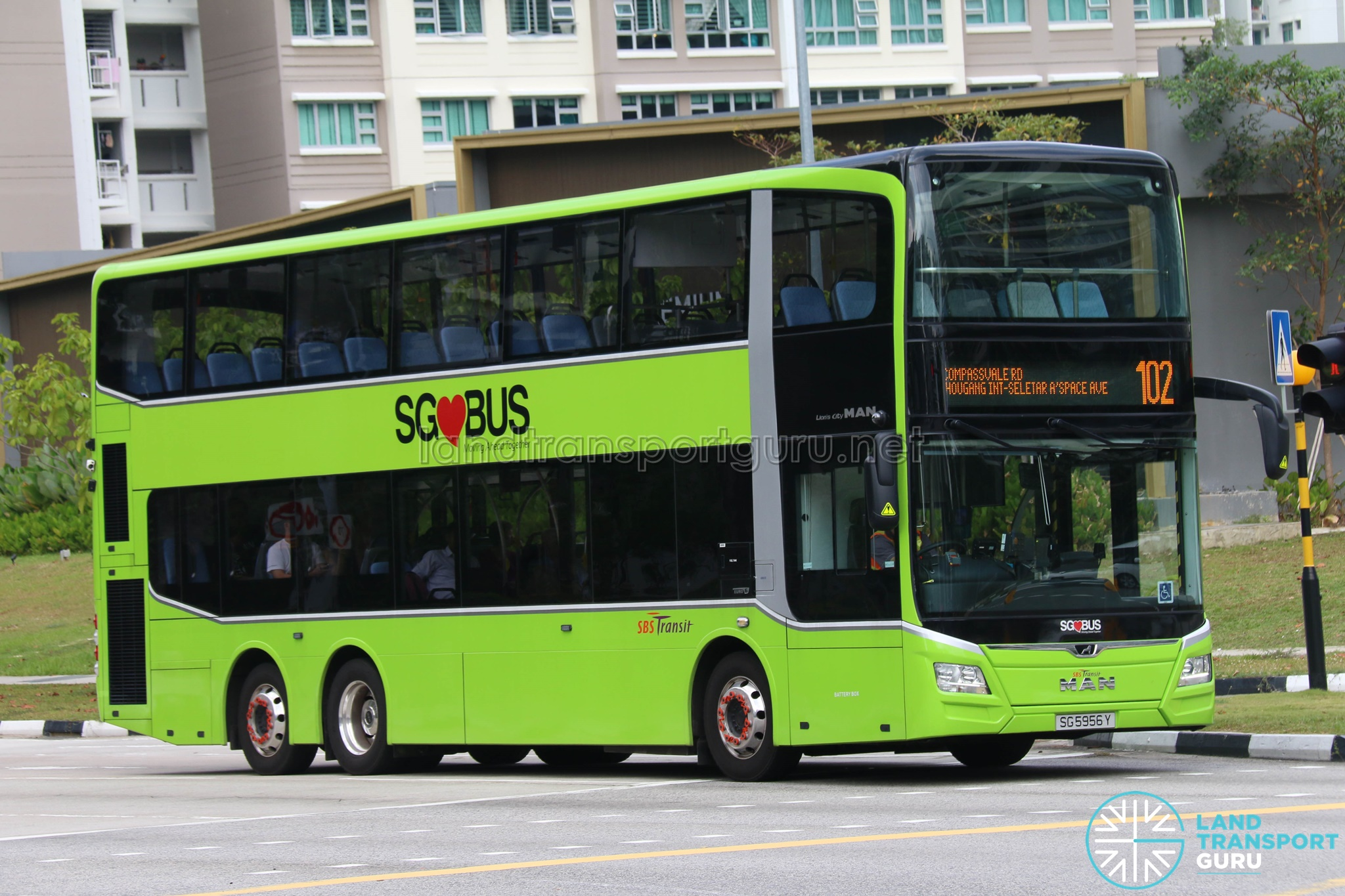 Bus 102 - SBS Transit MAN Lion's City DD A95 (SG5956Y)