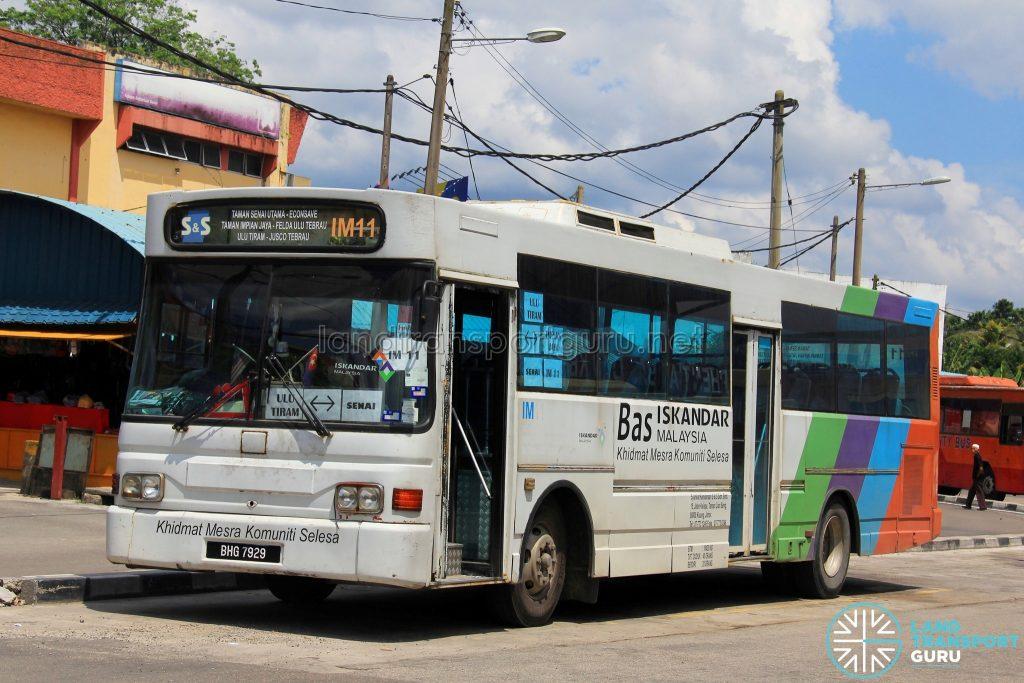 S&S International Nissan Diesel JP251 (BHG7929) - Route IM11